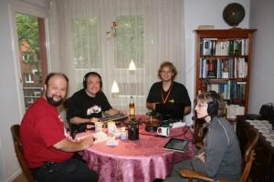 Die Teilnehmer beim Podcasten